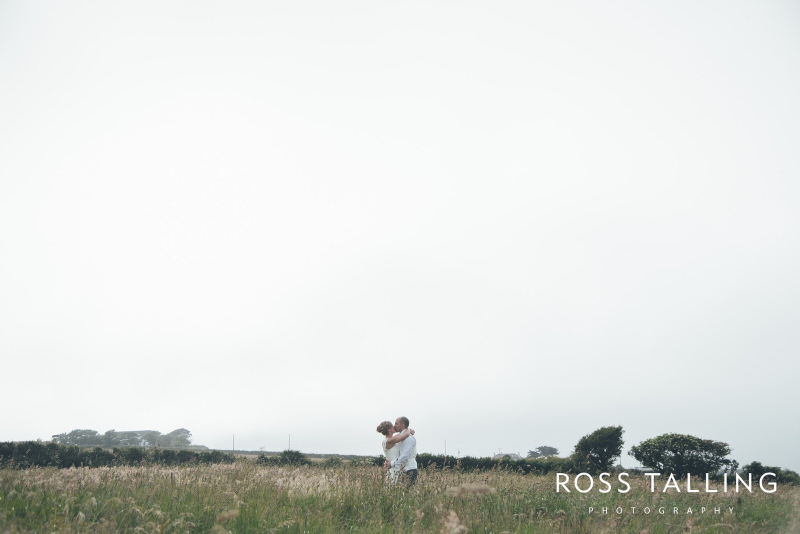 Cornwall Wedding Photography :: Laura & Aron