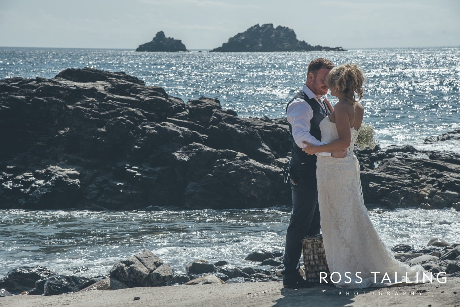 Boho Elopement Wedding Photography Cornwall - Stacey and Steve_0074