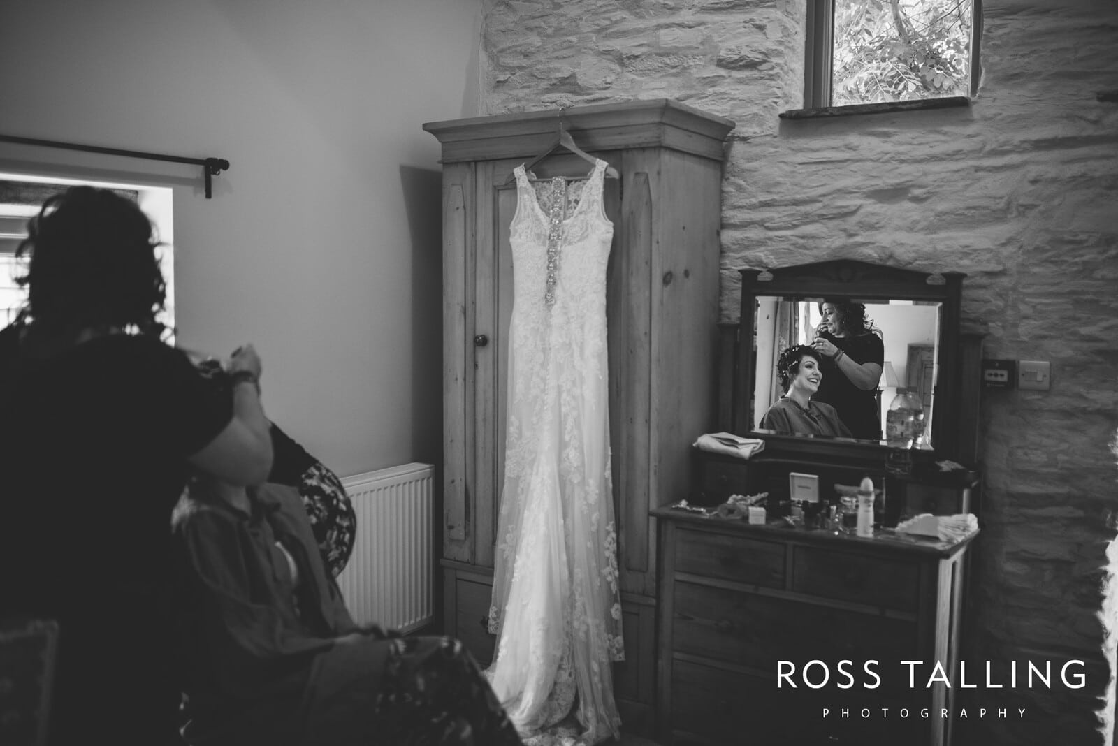 Nancarrow Farm Wedding Photography Jasmine & Ben_0002