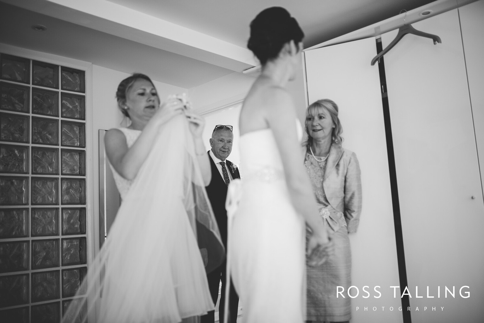 Alice & Al Wedding Photography Cornwall_0224