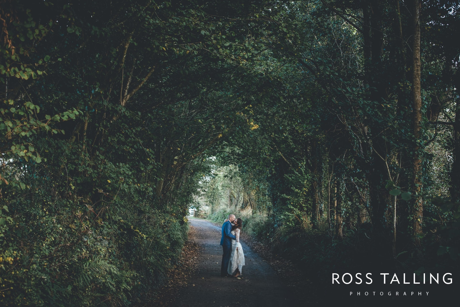 Taster :: Ana & Luke's Mylor Church & Nancarrow Farm Wedding Photography