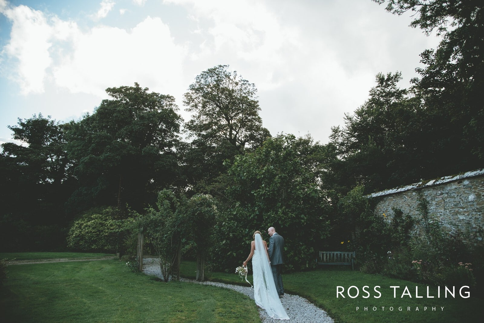 Nancarrow Farm Wedding Photography Cornwall - Laura & Danny_0125