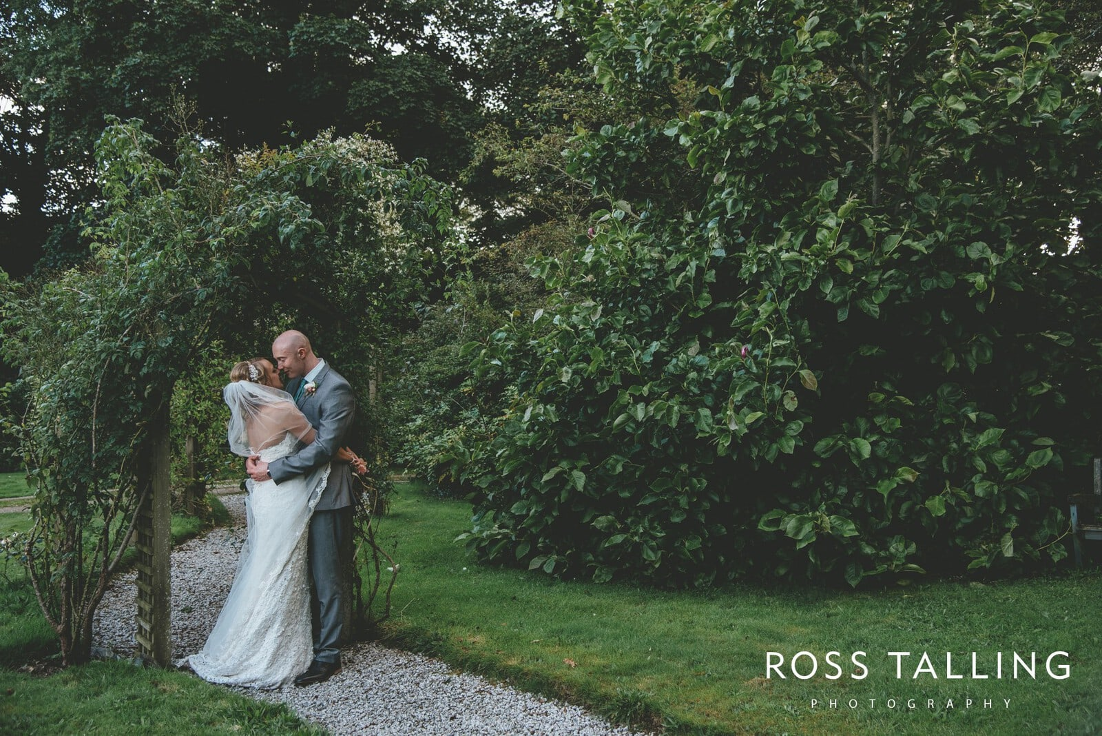 Nancarrow Farm Wedding Photography Cornwall - Laura & Danny_0118