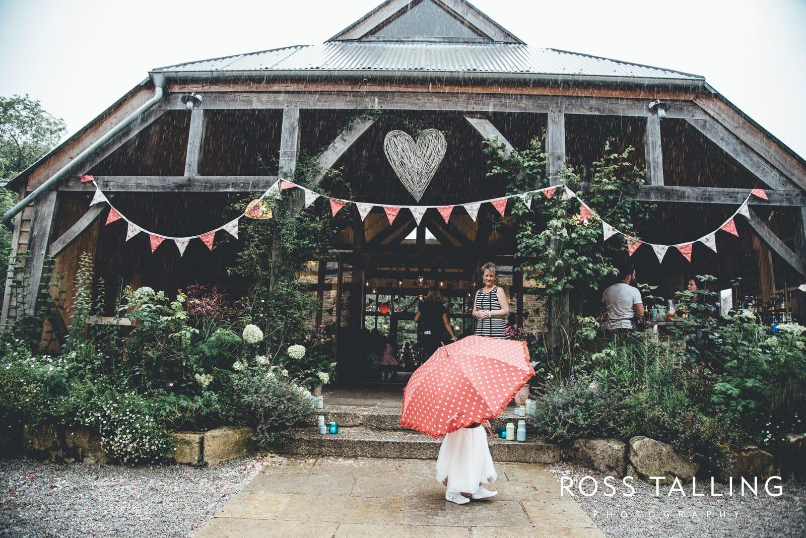Nancarrow Farm Wedding Photography Cornwall - Laura & Danny_0088