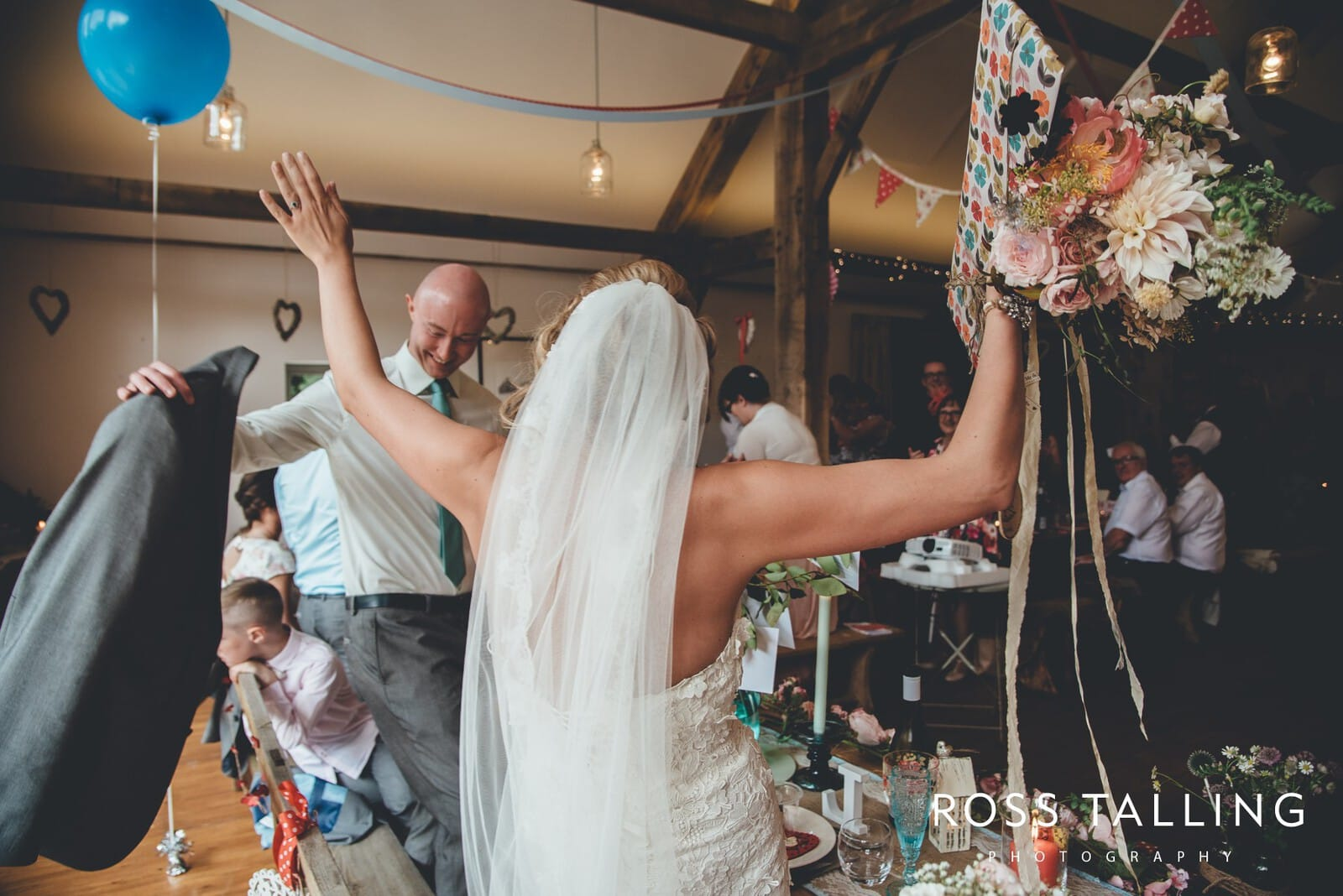 Nancarrow Farm Wedding Photography Cornwall - Laura & Danny_0085