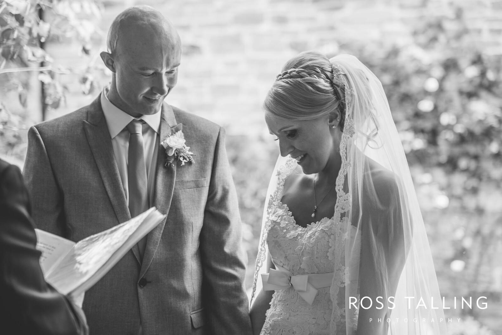 Nancarrow Farm Wedding Photography Cornwall - Laura & Danny_0053