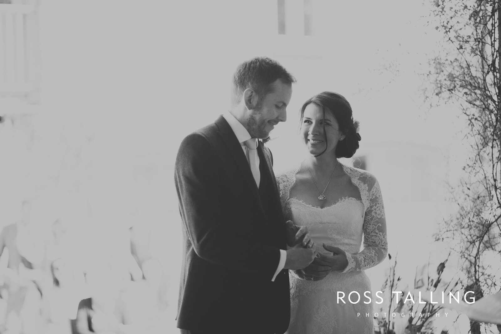Claire & Rich's Wedding Photography Cornwall_0043
