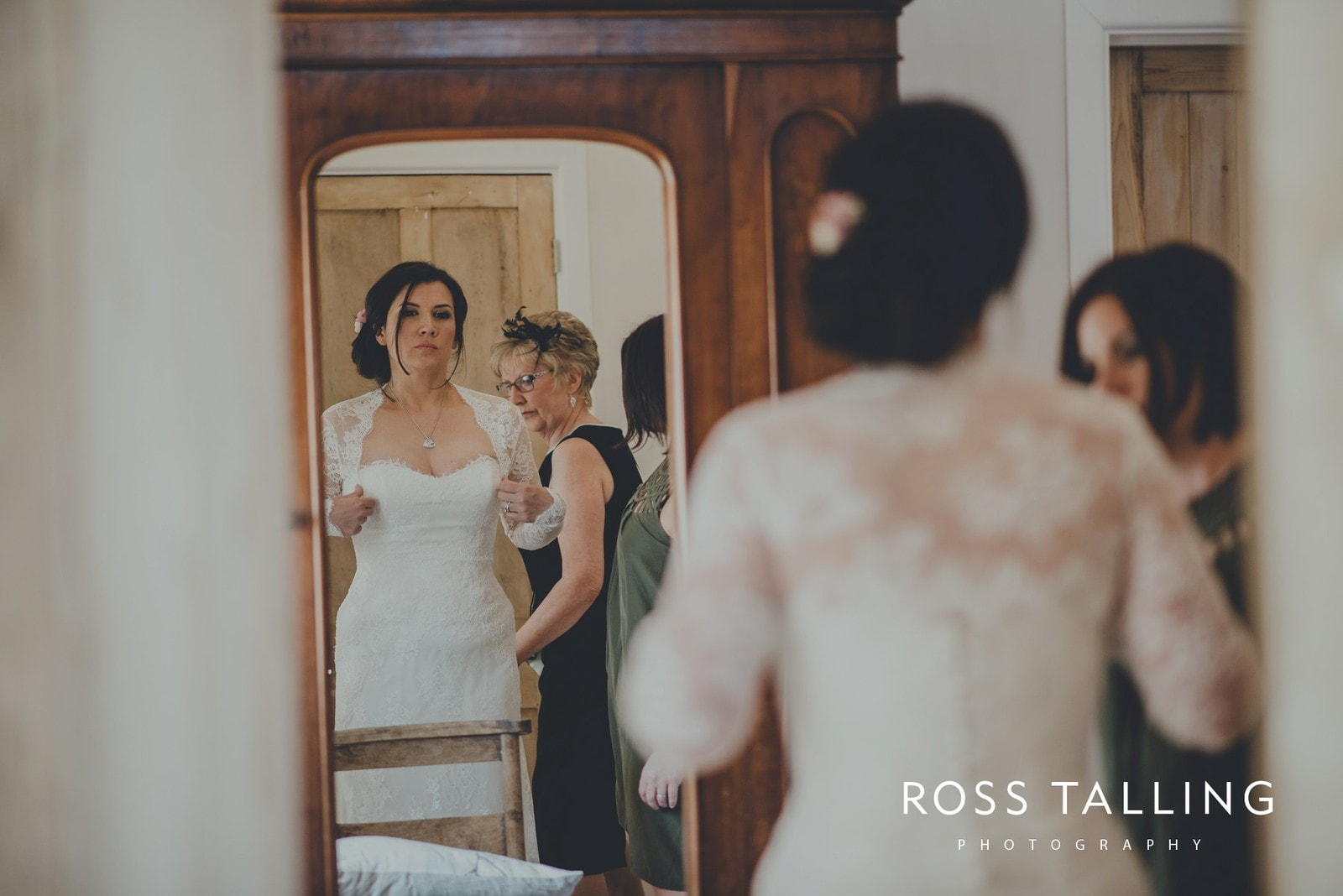 Claire & Rich's Wedding Photography Cornwall_0026