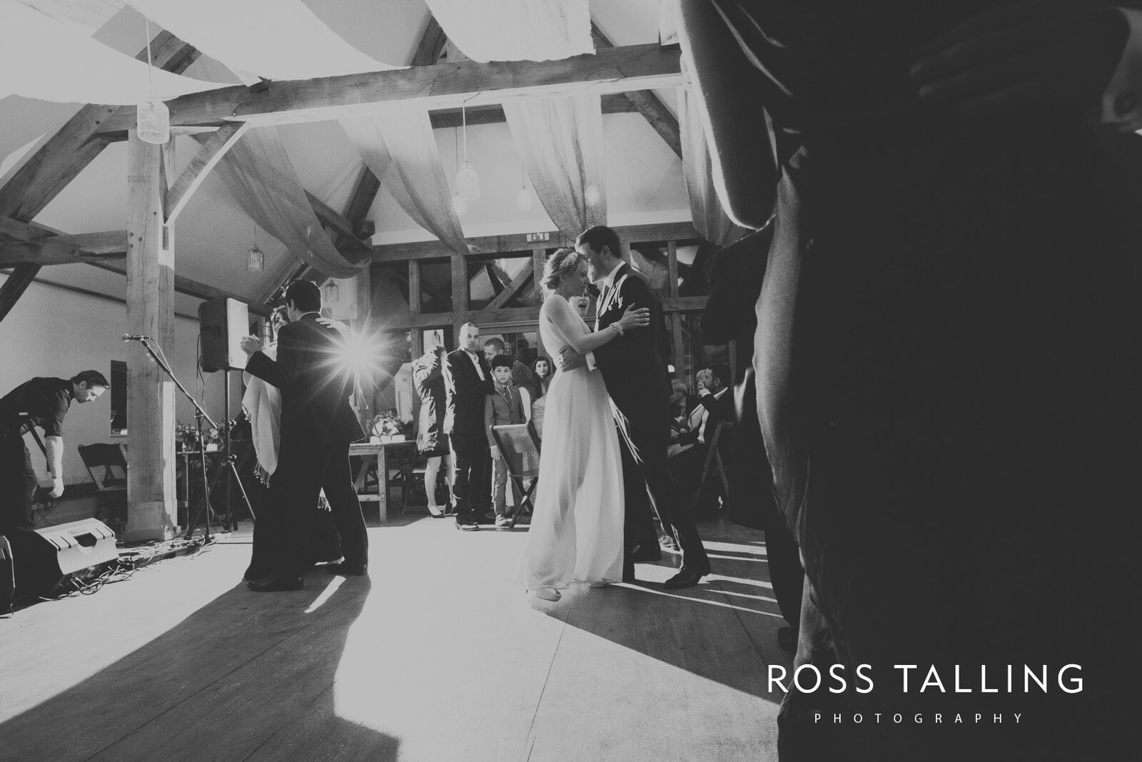 Bonnie & James Wedding Photography Cornwall_0163