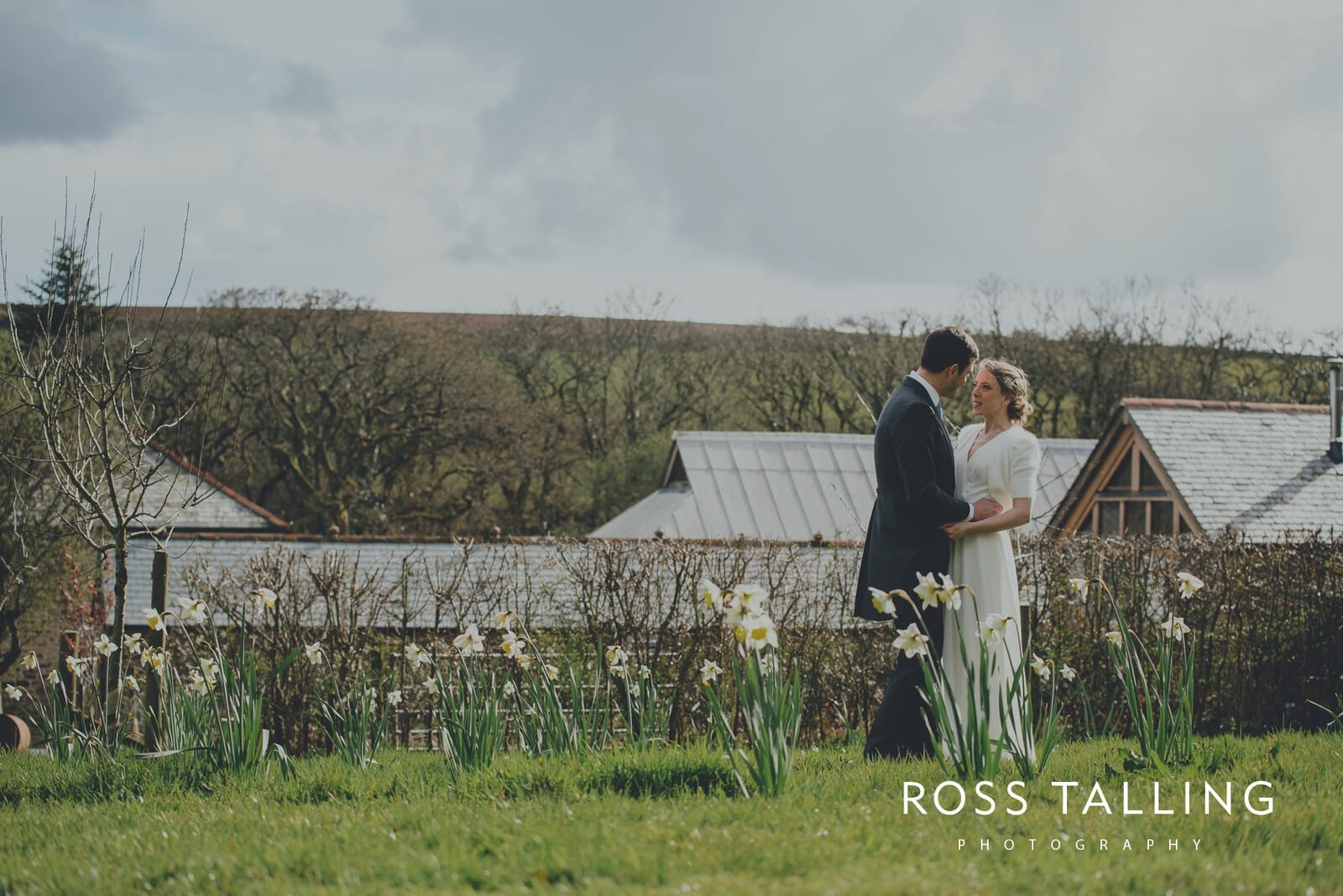 Bonnie & James Wedding Photography Cornwall_0112