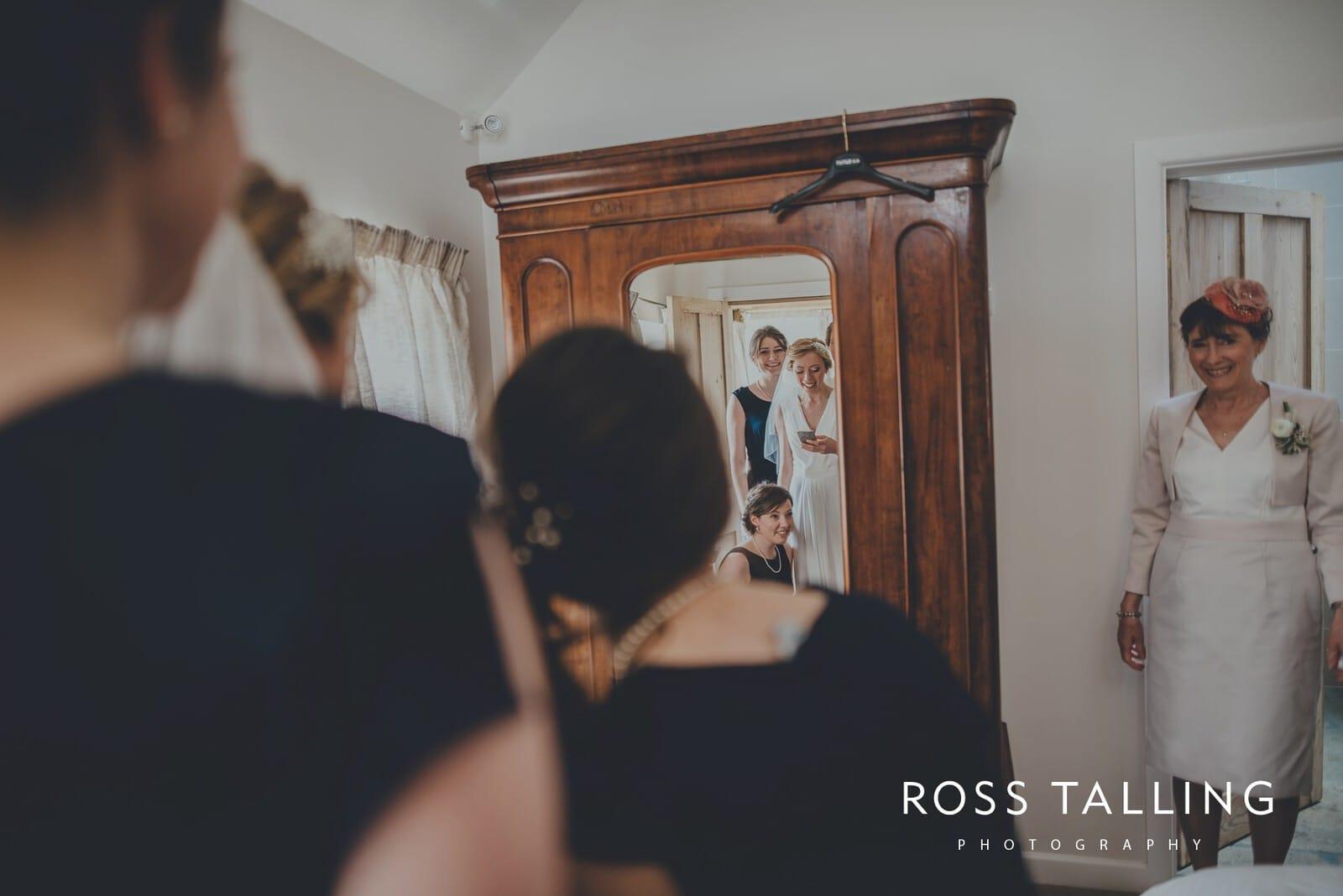 Bonnie & James Wedding Photography Cornwall_0043