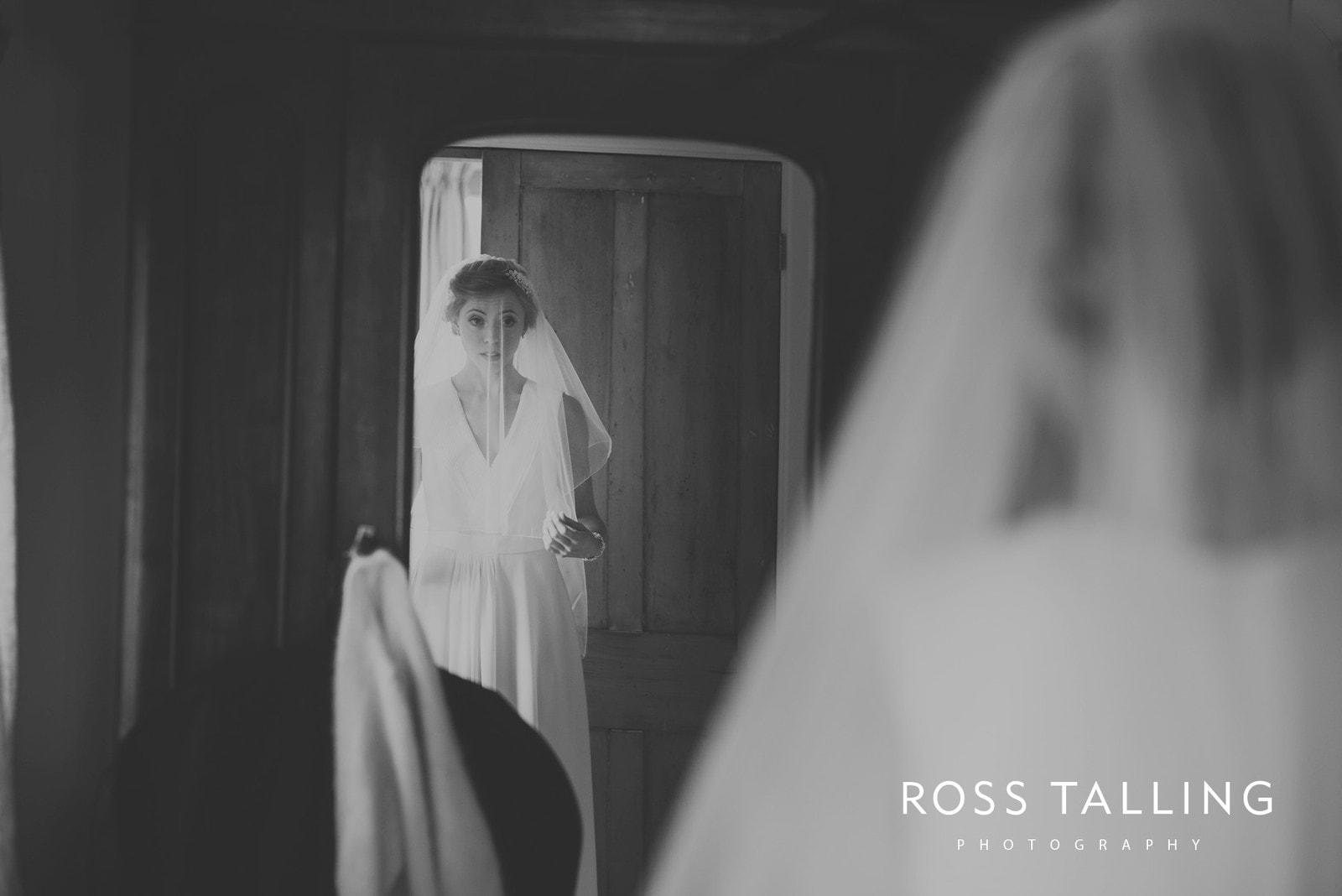 Bonnie & James Wedding Photography Cornwall_0040