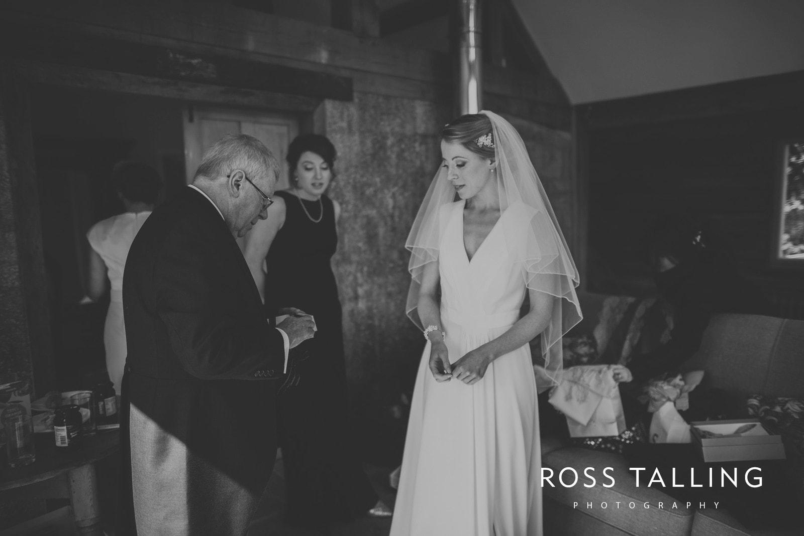 Bonnie & James Wedding Photography Cornwall_0035