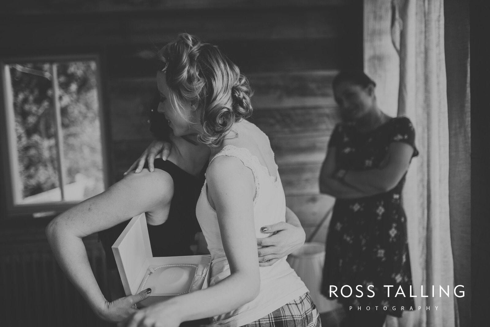 Bonnie & James Wedding Photography Cornwall_0020