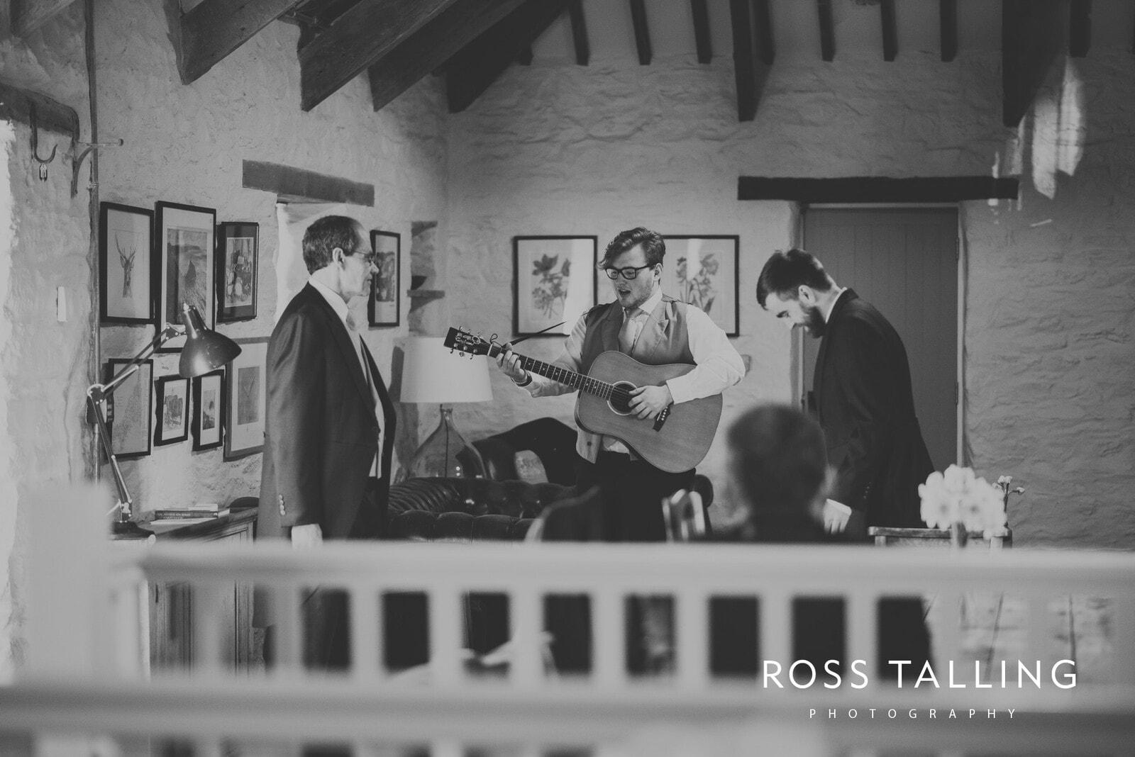 Bonnie & James Wedding Photography Cornwall_0016