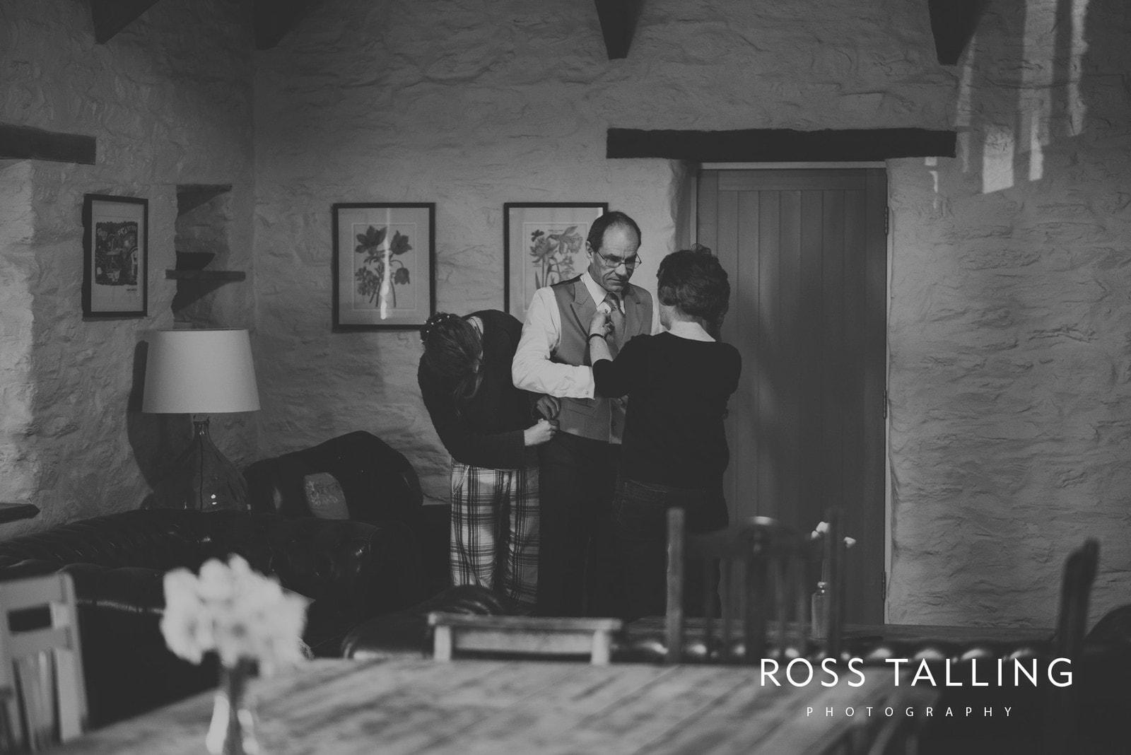 Bonnie & James Wedding Photography Cornwall_0015