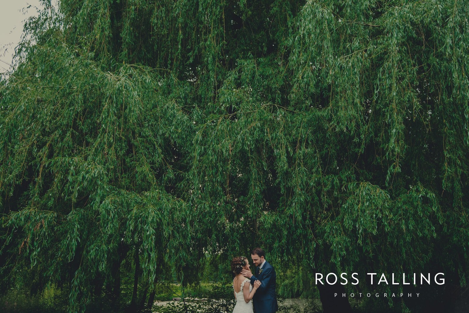 Dewsall Court Wedding Photography Hereford_0205