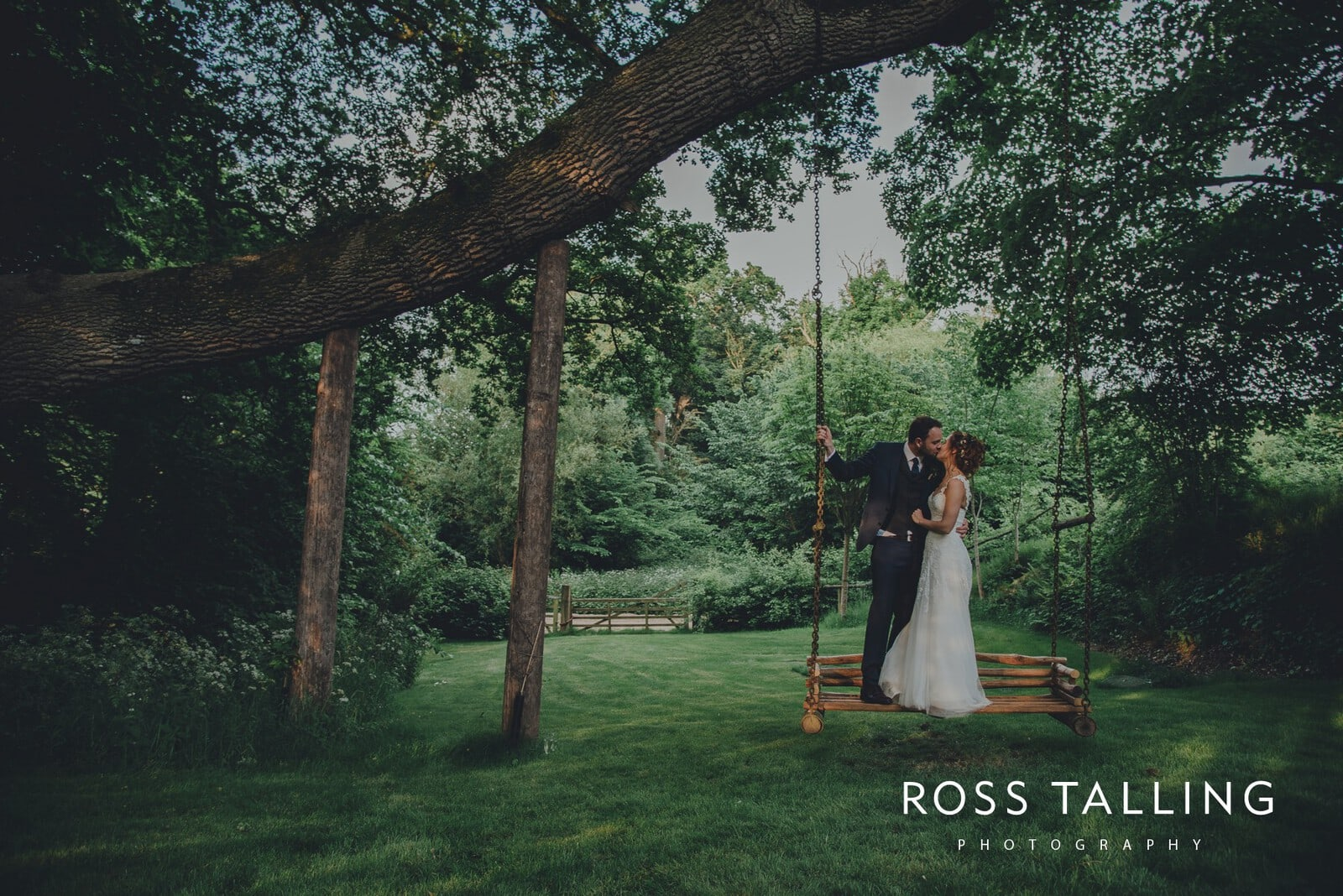 Dewsall Court Wedding Photography Hereford_0197