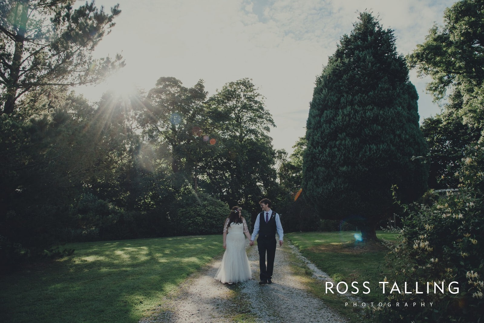 zara-adey-nancarow-farm-wedding-photography-cornwall_0150
