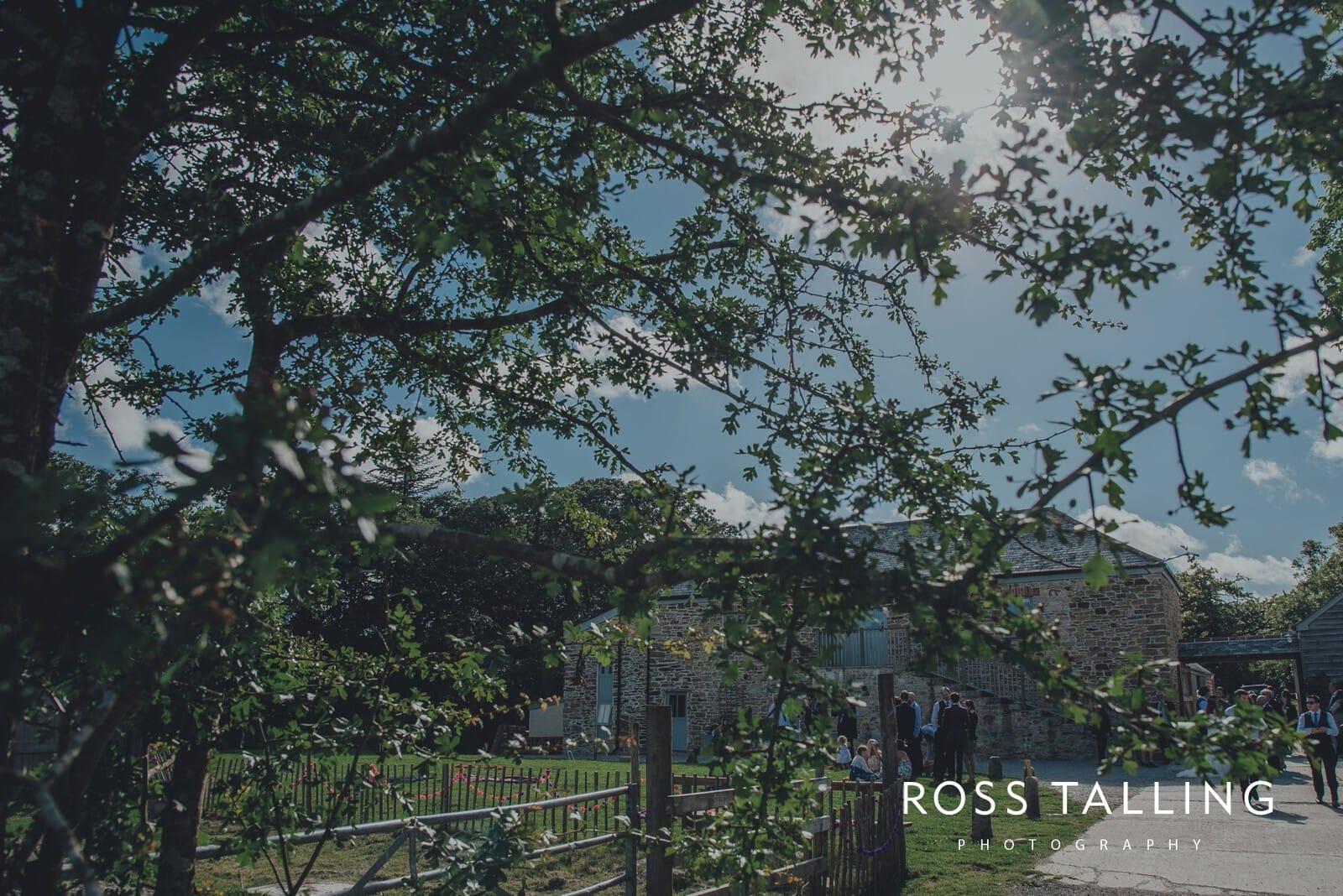 zara-adey-nancarow-farm-wedding-photography-cornwall_0130