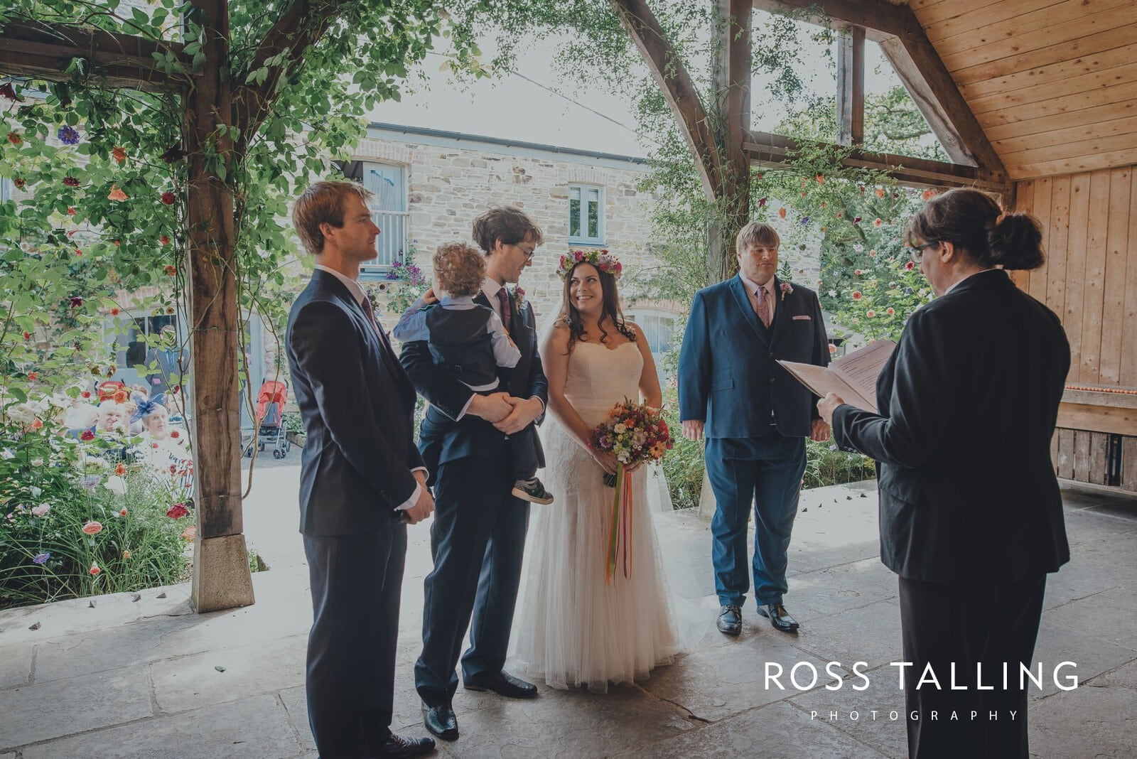 zara-adey-nancarow-farm-wedding-photography-cornwall_0050