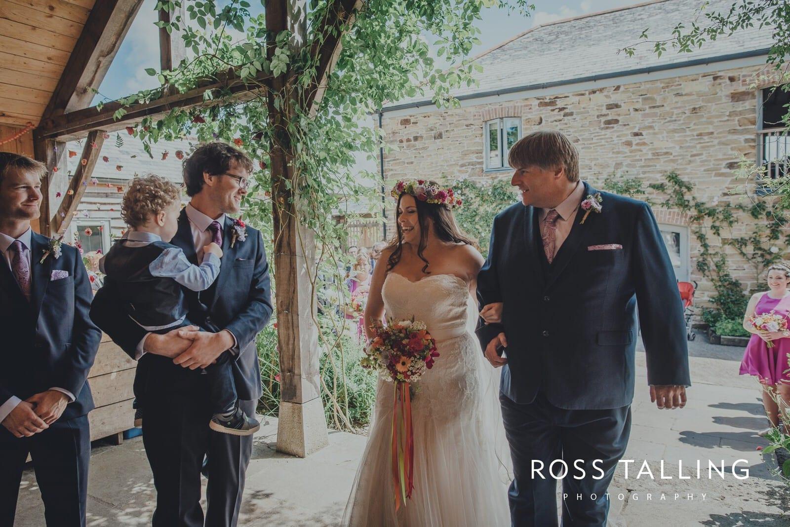 zara-adey-nancarow-farm-wedding-photography-cornwall_0049