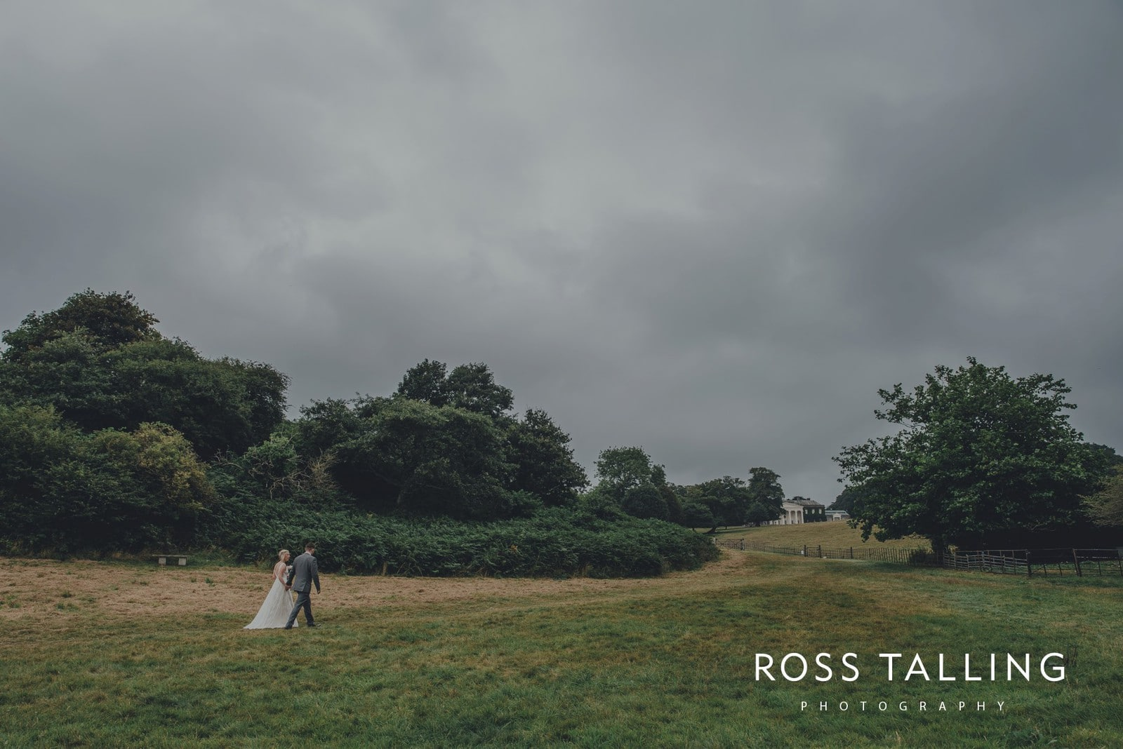 fran-nicks-trelissick-gardens-wedding-photography_0083