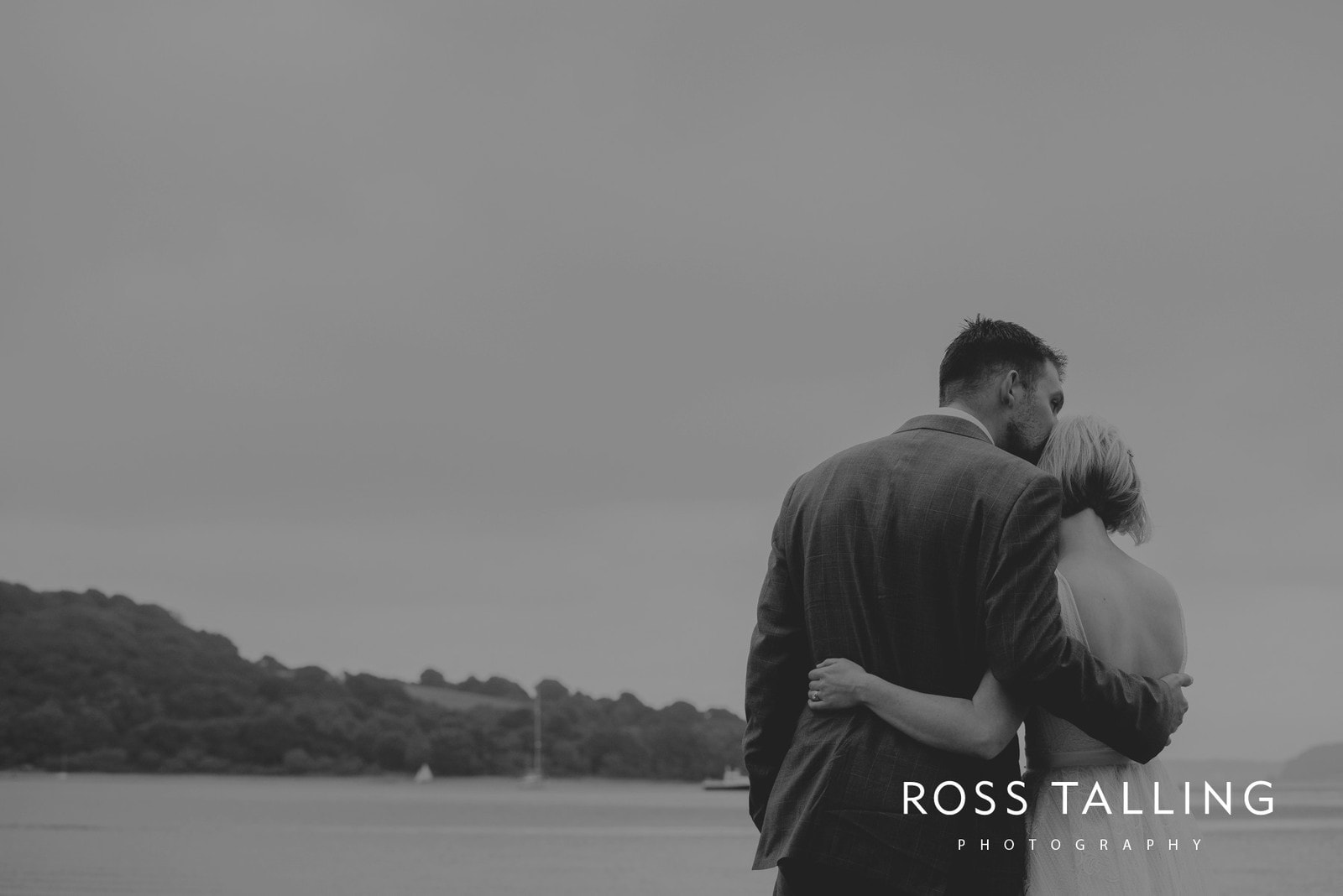 fran-nicks-trelissick-gardens-wedding-photography_0079