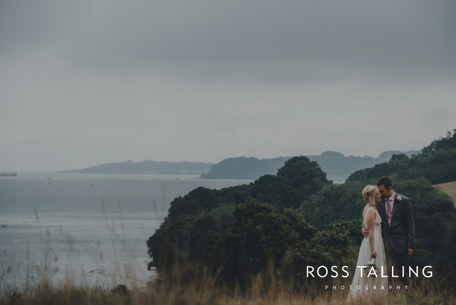 fran-nicks-trelissick-gardens-wedding-photography_0073