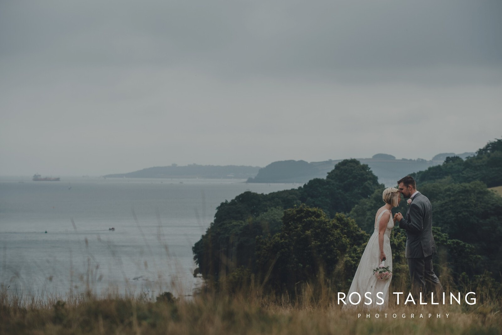 fran-nicks-trelissick-gardens-wedding-photography_0067