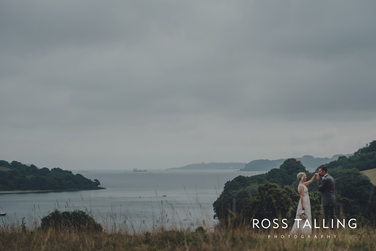 fran-nicks-trelissick-gardens-wedding-photography_0066