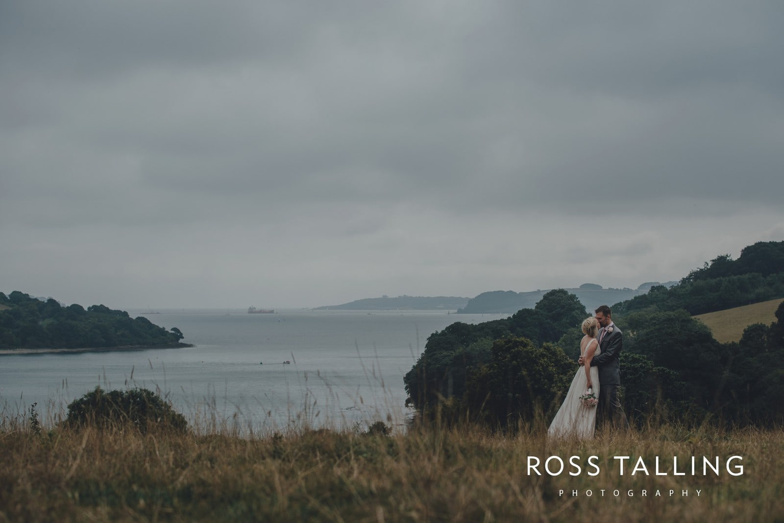 fran-nicks-trelissick-gardens-wedding-photography_0065