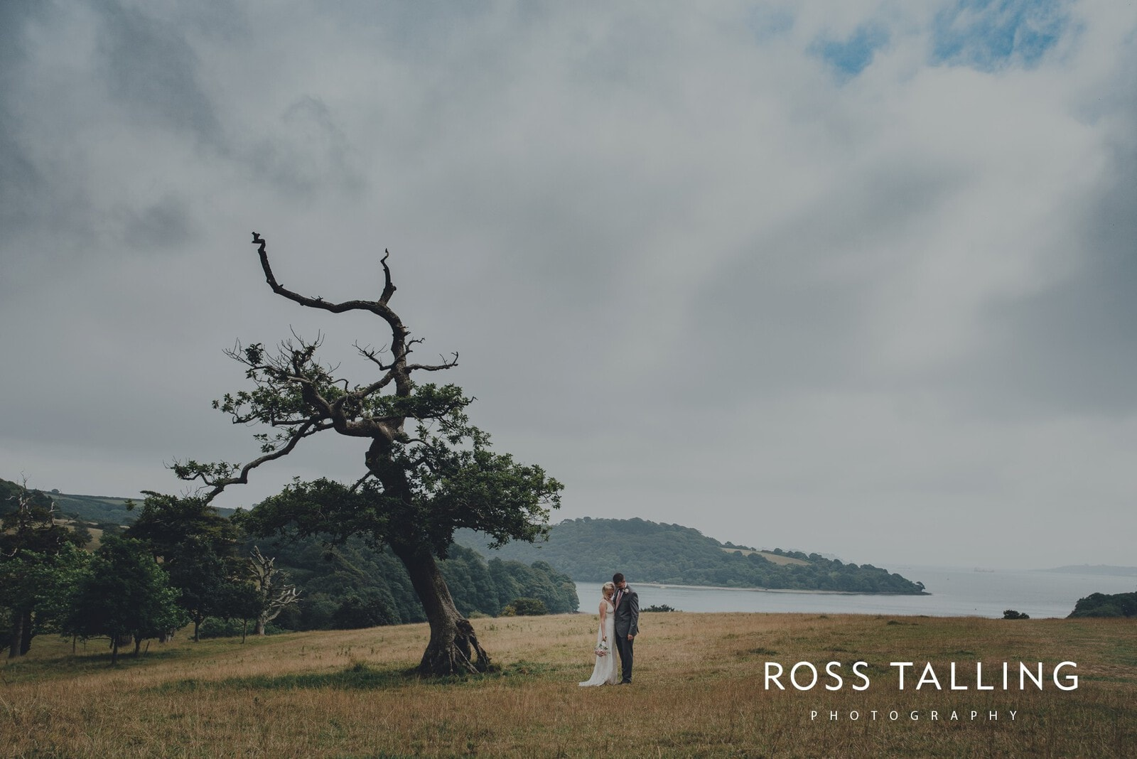 fran-nicks-trelissick-gardens-wedding-photography_0059