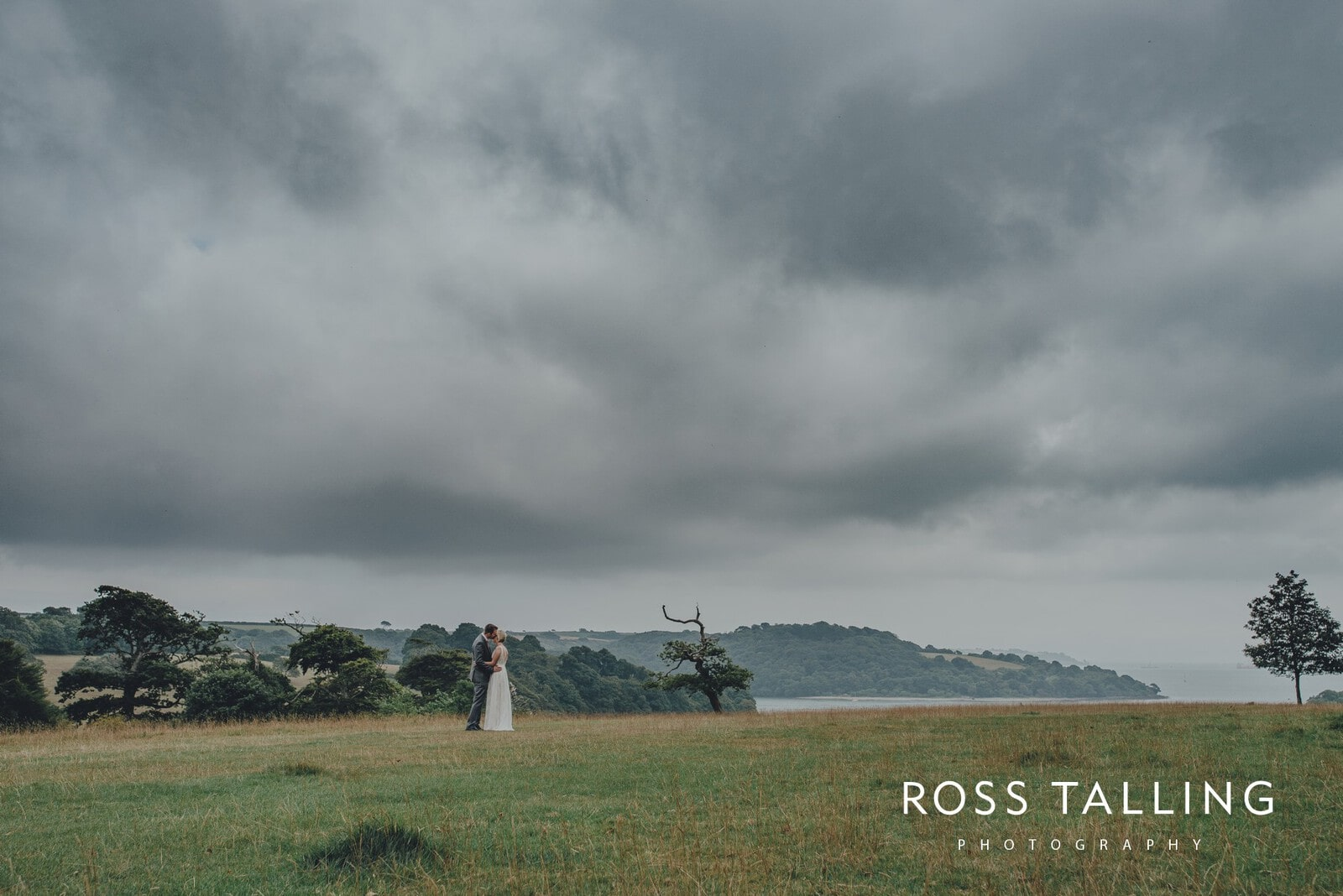 fran-nicks-trelissick-gardens-wedding-photography_0057