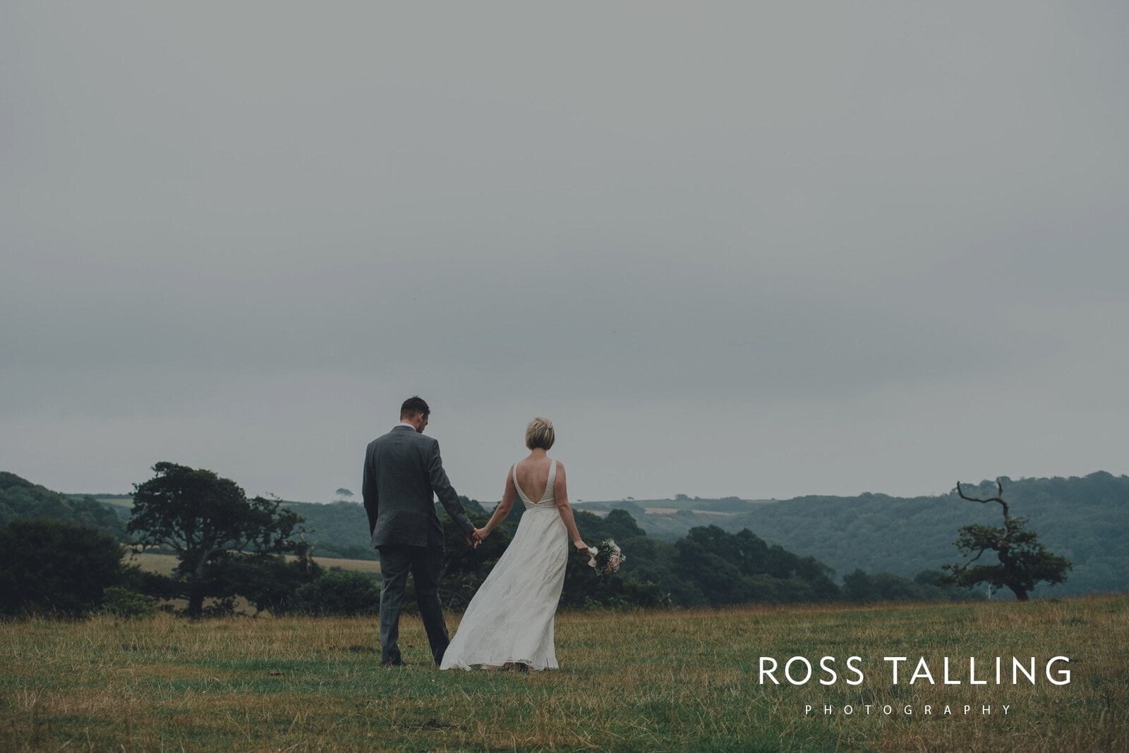 fran-nicks-trelissick-gardens-wedding-photography_0054
