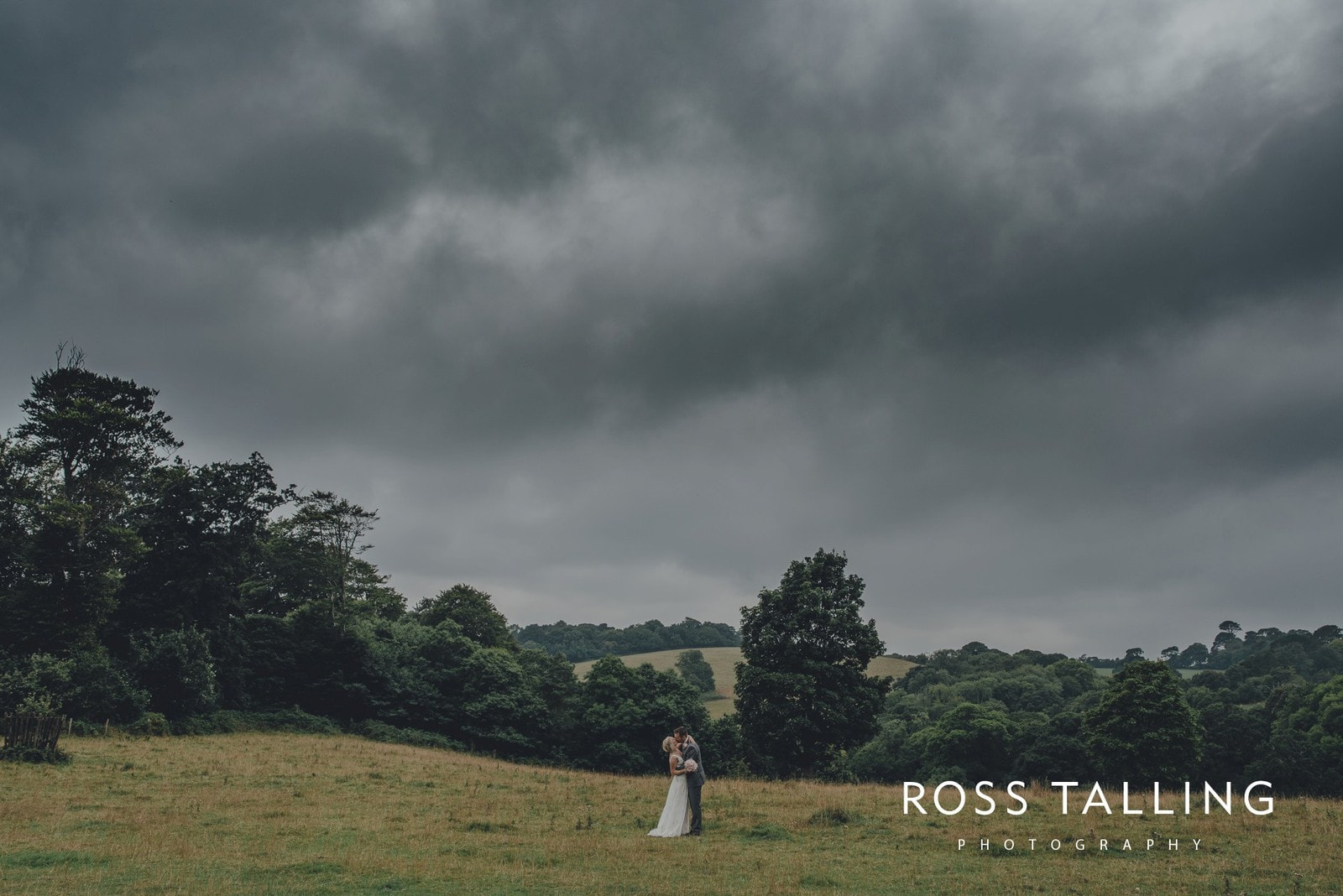 fran-nicks-trelissick-gardens-wedding-photography_0051