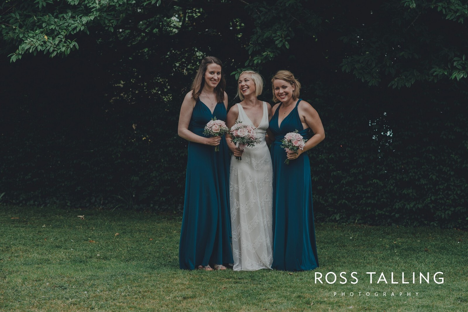 fran-nicks-trelissick-gardens-wedding-photography_0049
