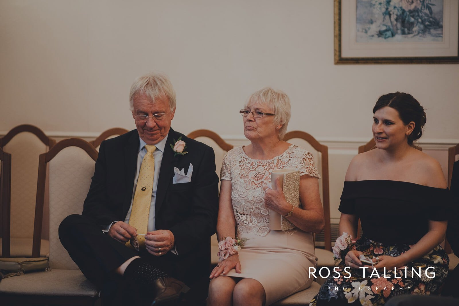 fran-nicks-trelissick-gardens-wedding-photography_0037