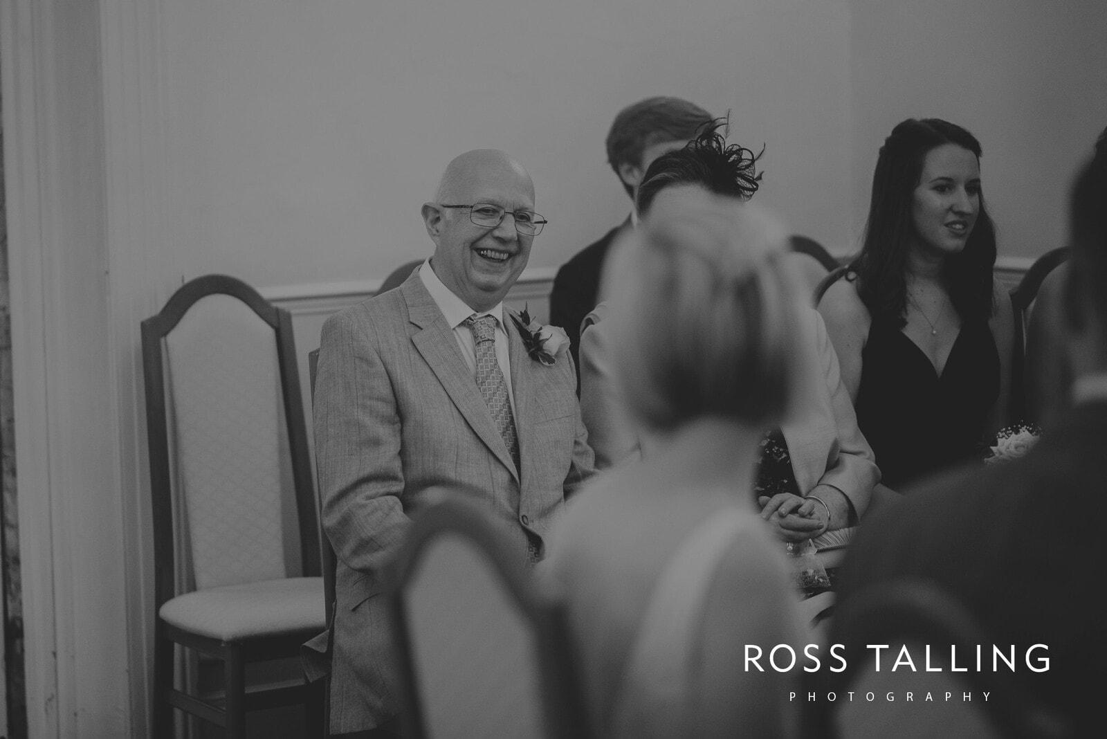 fran-nicks-trelissick-gardens-wedding-photography_0035
