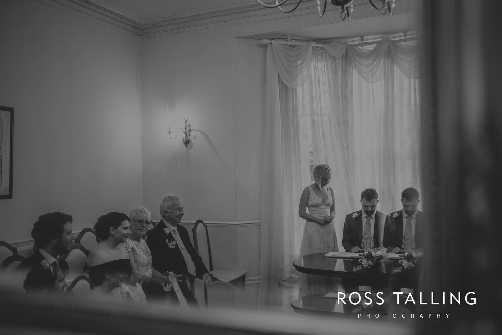 fran-nicks-trelissick-gardens-wedding-photography_0033