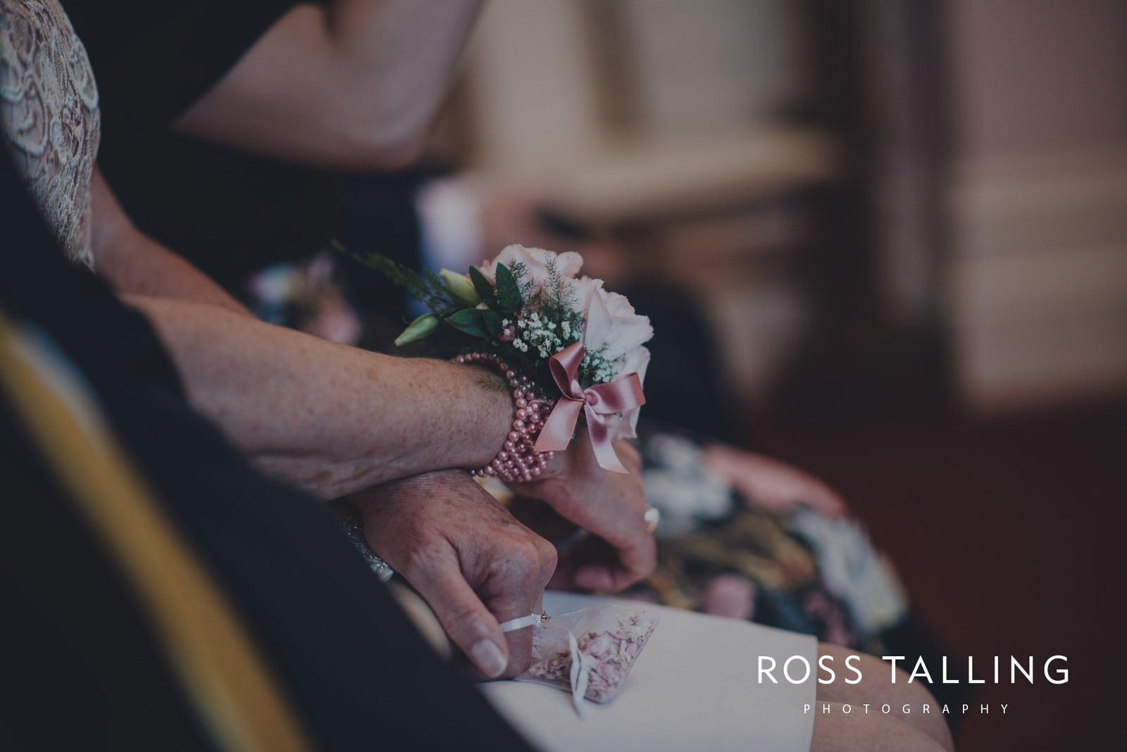 fran-nicks-trelissick-gardens-wedding-photography_0025