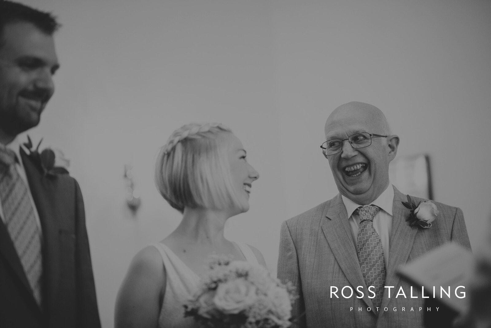 fran-nicks-trelissick-gardens-wedding-photography_0023
