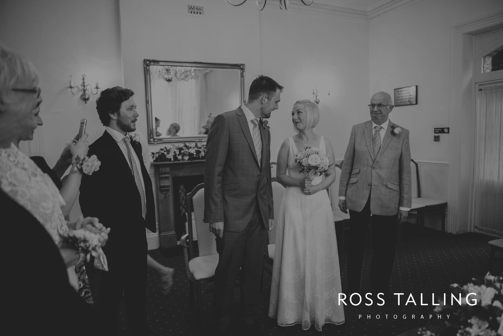 fran-nicks-trelissick-gardens-wedding-photography_0020