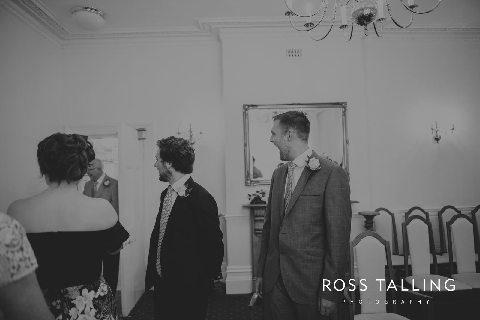 fran-nicks-trelissick-gardens-wedding-photography_0019