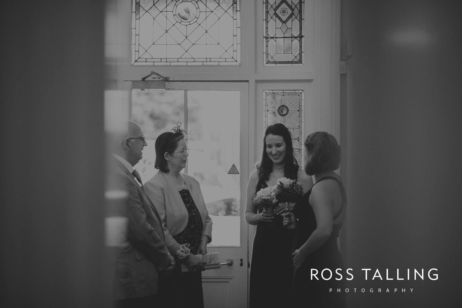 fran-nicks-trelissick-gardens-wedding-photography_0015