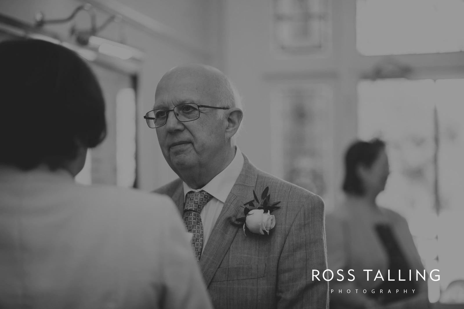 fran-nicks-trelissick-gardens-wedding-photography_0012