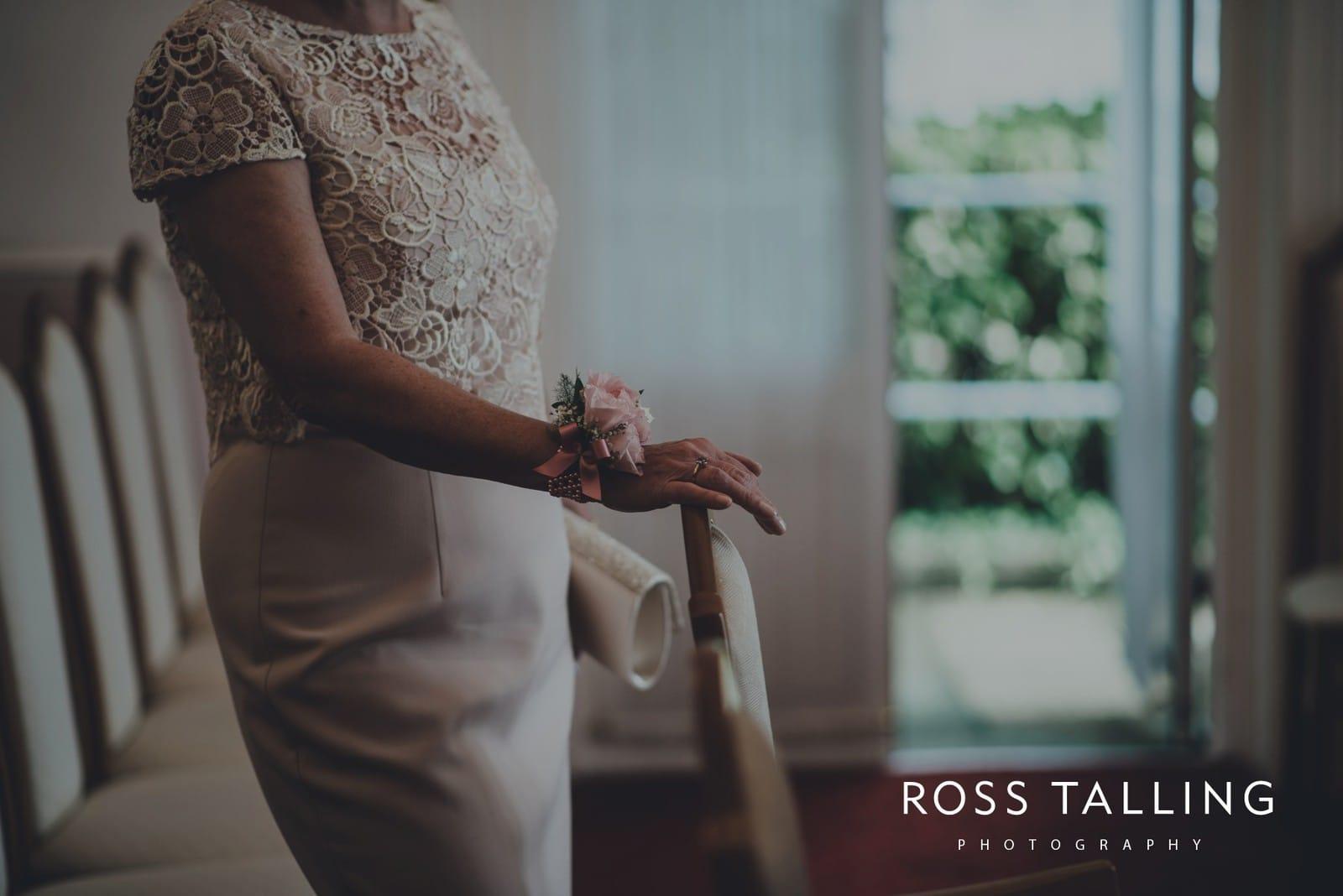 fran-nicks-trelissick-gardens-wedding-photography_0006
