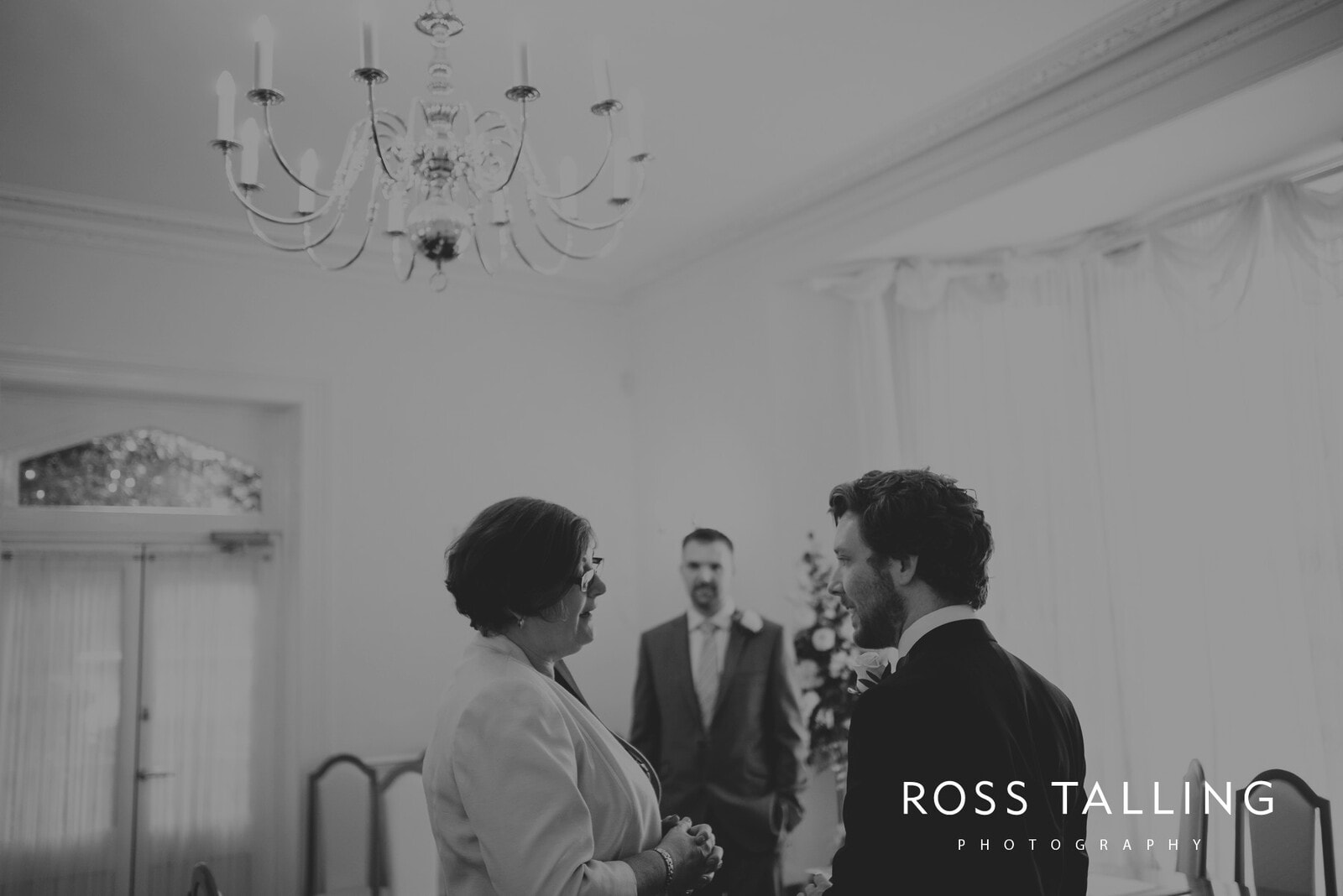 fran-nicks-trelissick-gardens-wedding-photography_0003