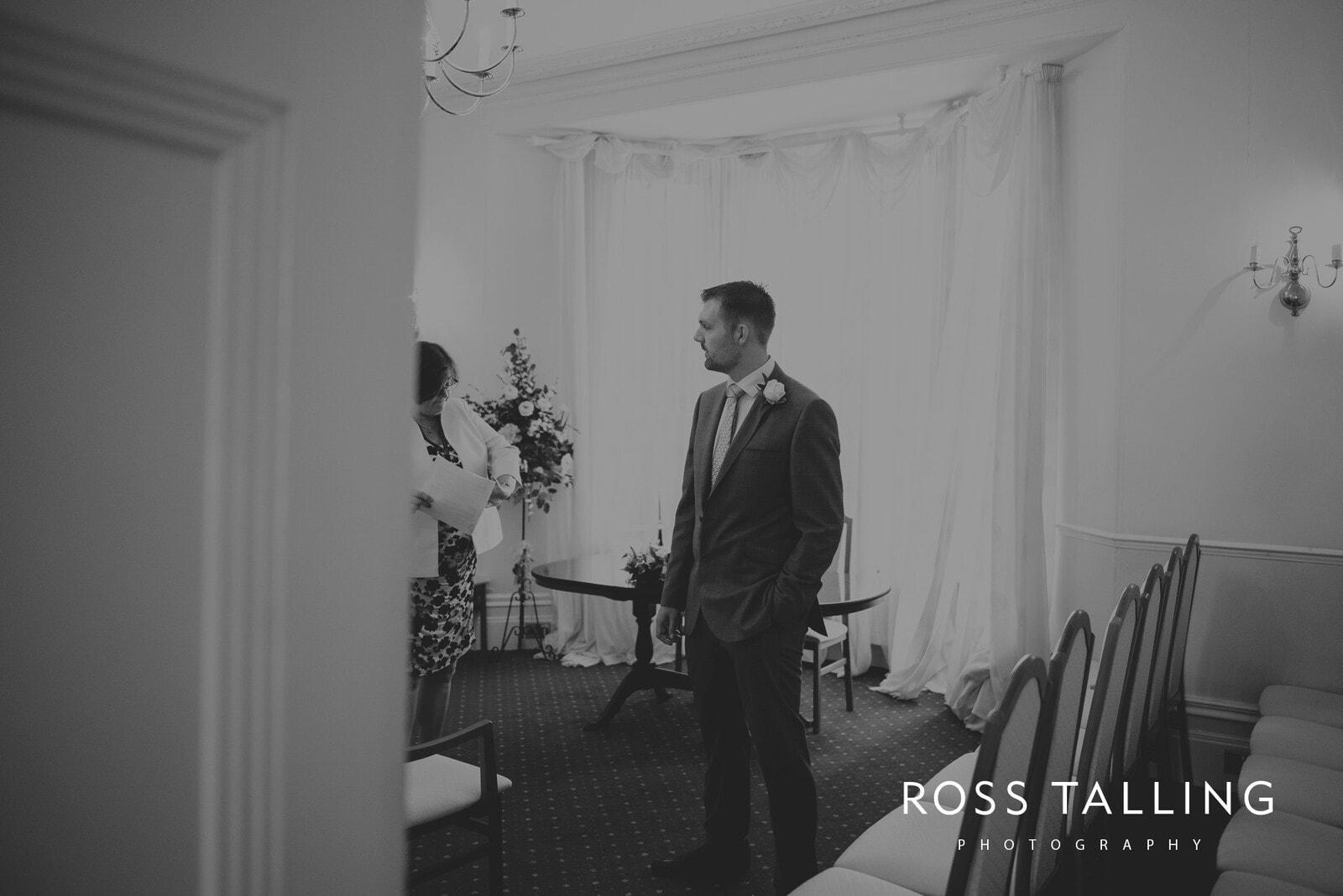 fran-nicks-trelissick-gardens-wedding-photography_0002