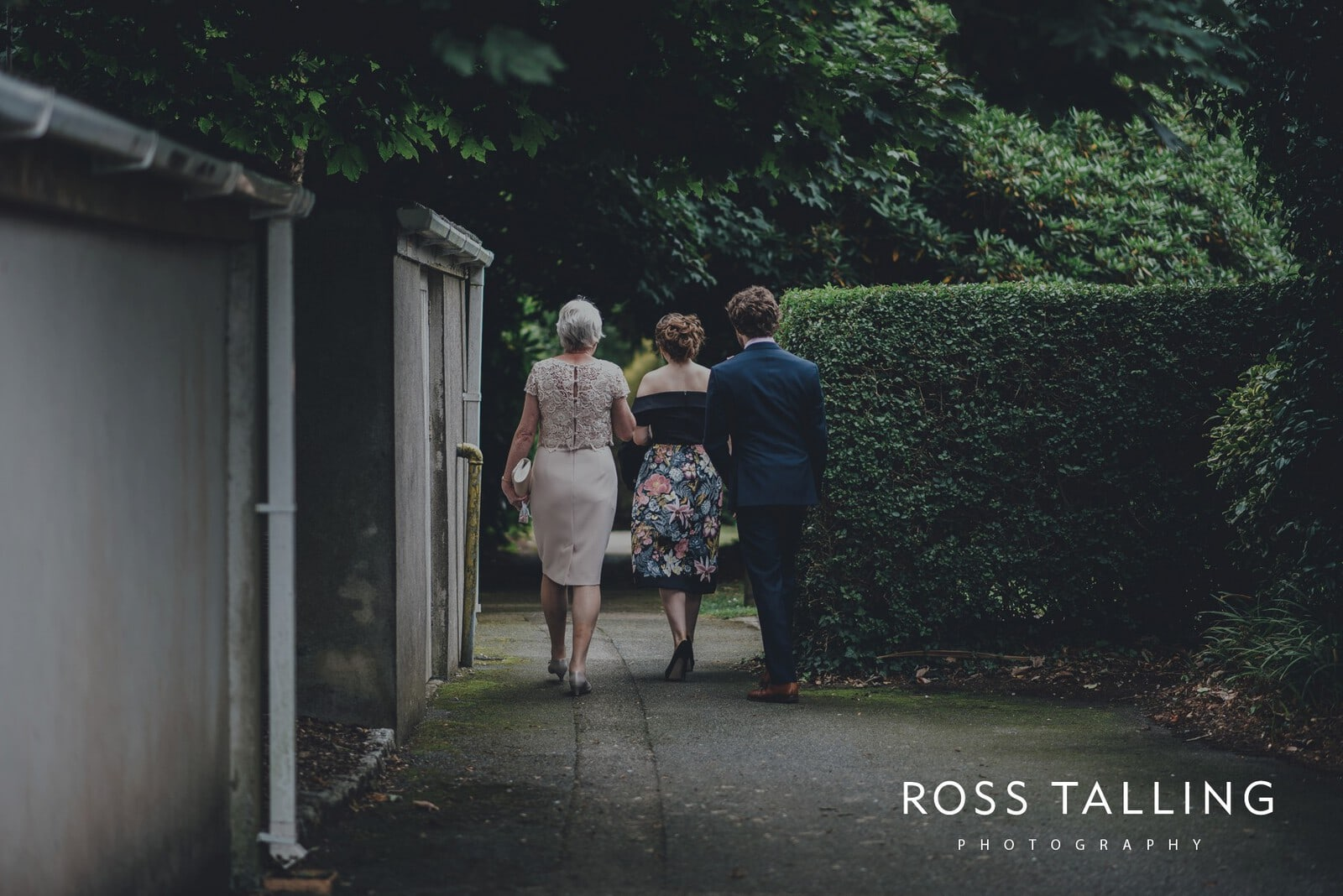 fran-nicks-trelissick-gardens-wedding-photography_0001